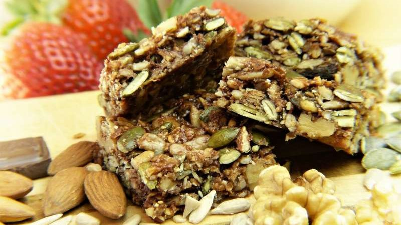 Making your cereal bar healthier: Low-sugar binders increase nutritional value