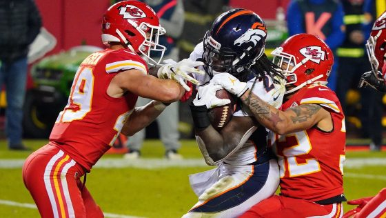 Broncos run to a 10-9 halftime lead over Chiefs