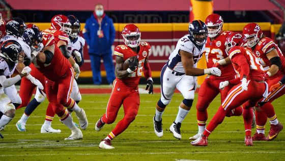 Chiefs take 12-10 lead, Broncos' Essang Bassey out for the game